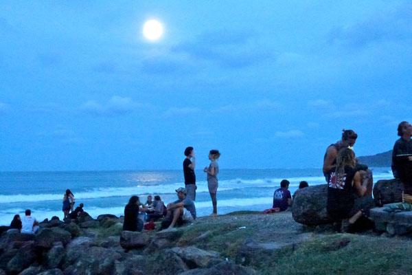 Bild: Abenddämmerung am Meer
