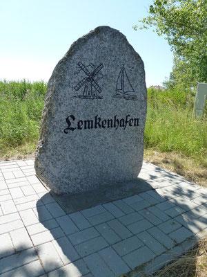 Bild: Stein von Lemkenhafen