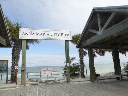 Gesperrter Eingang zur Anna Maria Island Pier