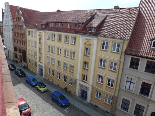 Blick von unserem Hotelzimmer auf die Fährstraße