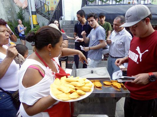 Bild: Straßenverkäufer im Slumviertel von Medellin