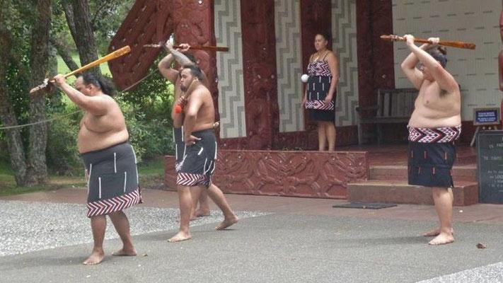 Bild: Begrüßungstanz der Maoris in Auckland