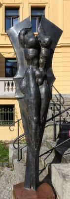 """Bild: Skulptur im Park der Villa """"Edelweiss"""" in Immenstadt - Foto 2"""