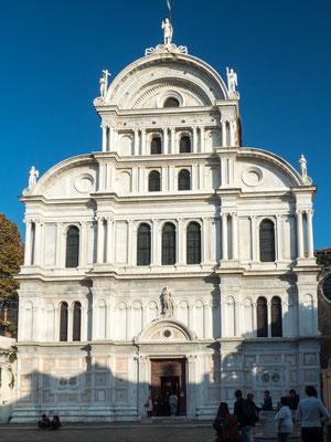 Bild: Die Fassade der Kirche San Zaccaria