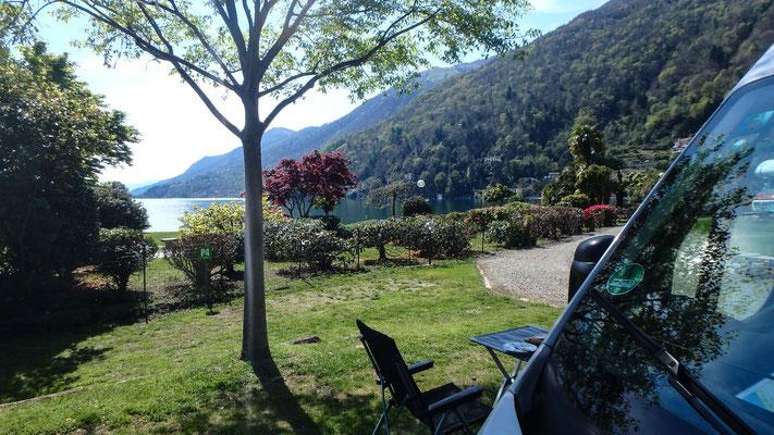 Bild: Blick von unserem Stellplatz auf den See