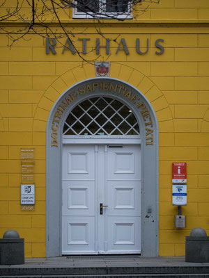 Bild: Altes Rathaus - Eingangstür