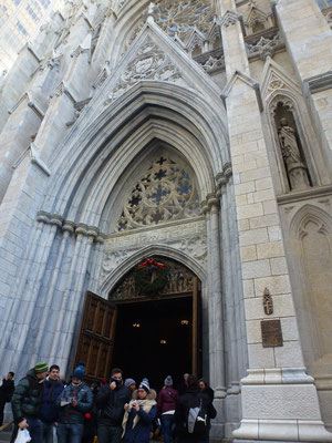 Bild: Der Eingang der St. Patricks Church