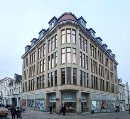 Bild: Das Gebäude Karstadt in Wismar in der Krämerstraße