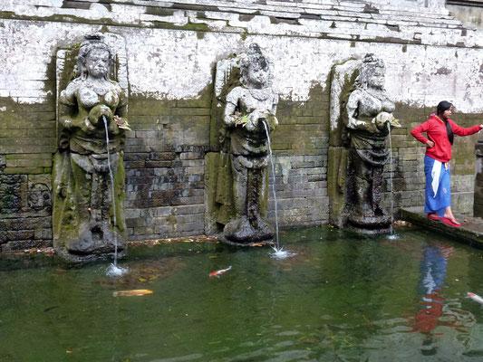 Bild: Brunnen beim Goa Gajah auf Bali