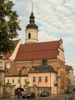 Bild: Ahnenkapelle von außen in Oppeln