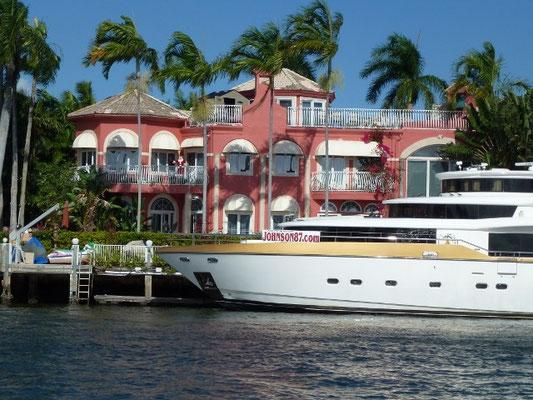 Bild: Villa mit eigener Yacht