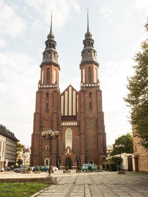 Bild: Die Kathedrale zum heiligen Kreuz - Foto 1 Außenansicht
