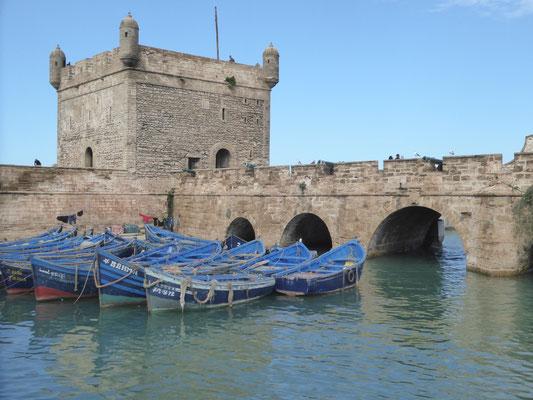 Bild: Die alte Festungsanlage im Hafen von Essaouira in Marokko