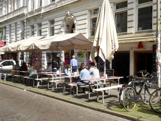 Bild: Straßenrestaurant- und Cafés in der Schanze die ihr südlichen Flair verleihen - Foto 3