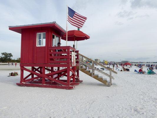 Bild: Bademeisterturm in rot