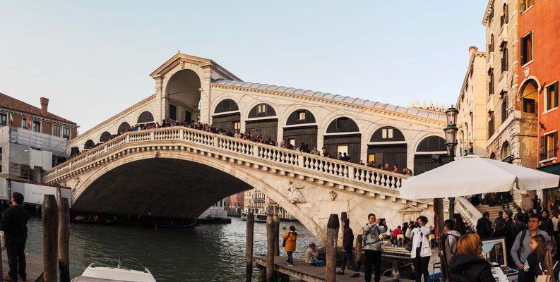 Bild: Rialtobrücke in Venedig