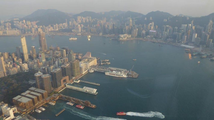 Bild: Blick vom International Commerce Center Gebäudes in Kowloon in Hongkong