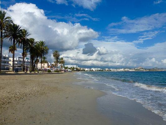 Bild: Strand von Platja d´ en Bossa - Foto 1