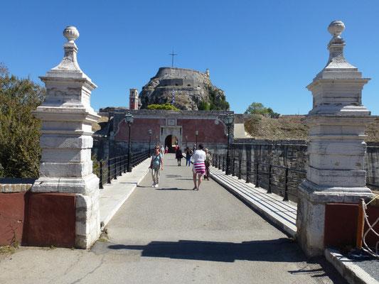Bild: Weg zur Festung