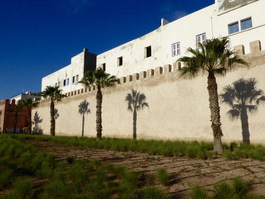 Bild: Stadtmauer von Essarouria