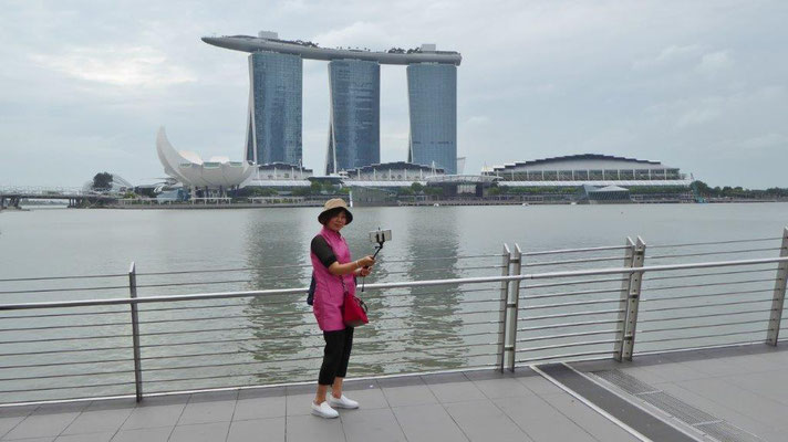Bild: Marina Bay Sands Hotel am Tag in Singapur