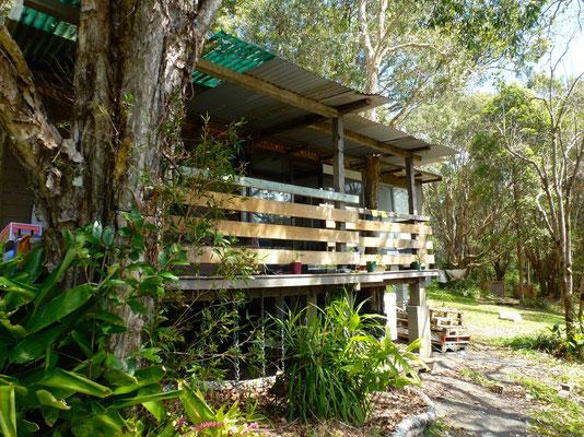 Bild: Lennart und Anu´s Hütte am Rand von  Byron Bay