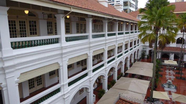 Bild: Raffles Hotel in Singapur von außen