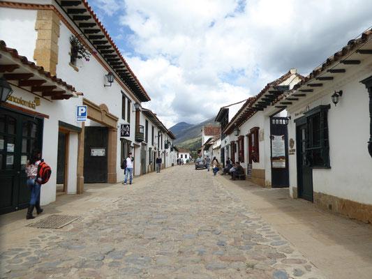 Bild: Straße mit Kopfsteinpflaster in Villa de Leyva
