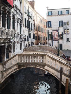 Bild: Einige der 435 Brücken in Venedig