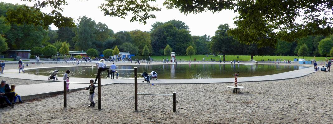 Bild: Teich beim Spielplatz