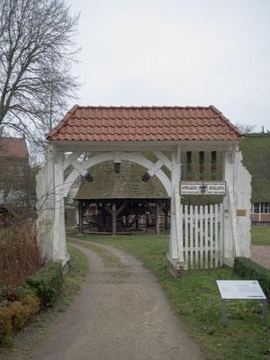 Bild: Eingang zum Freilichtmuseum