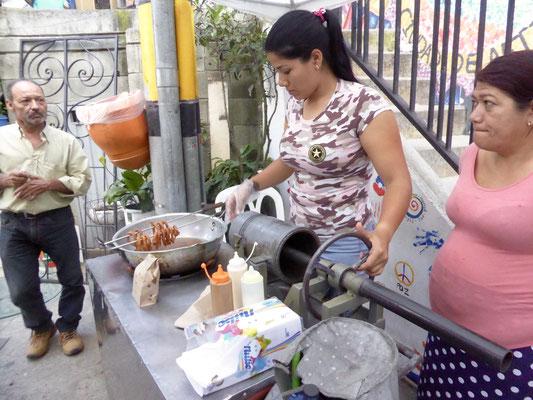 Bild: Schmalzgebäckverkäuferin in Medellin