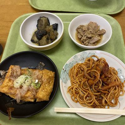 まむしの食べたイタリアンスパゲティ、茄子の煮びたし、マグロの煮つけ、揚げ豆腐