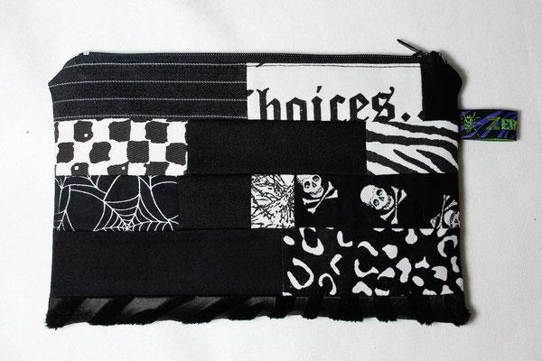Gothic Patchwork Reißverschluss Tasche - Zebraspider DIY Anti-Fashion Blog