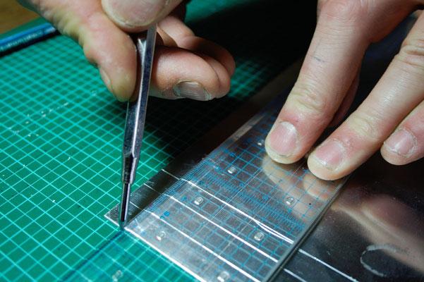 Bügeln für Faule - DIY Bügelschablone anreißen - Zebraspider DIY Blog