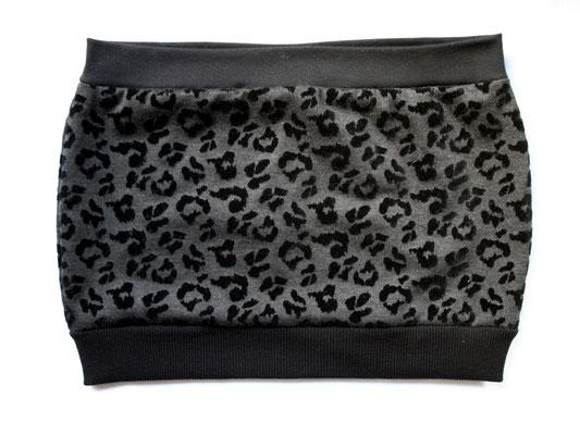 Nähen ist wie zaubern können - Auftrag Rock Leo schwarz  - Zebraspider DIY Anti-Fashion Blog