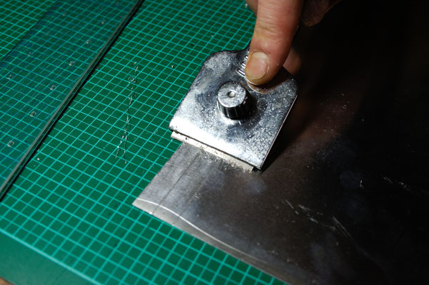 Bügeln für Faule - DIY Bügelschablone entgraten - Zebraspider DIY Blog