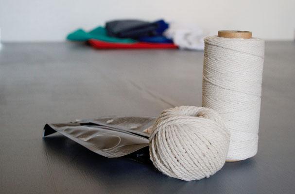 Zebra-Shibori Experiment - Schnur und Batikfarbe - Zebraspider DIY Anti-Fashion Blog