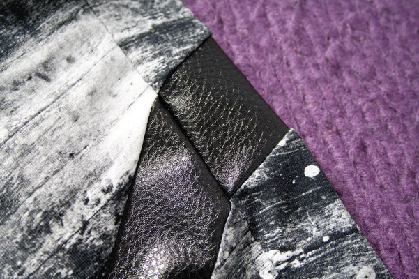 Mary, the Swirl Leggings (pattern testing) - fitting stripe outside- Zebraspider Eco Anti-Fashion Blog