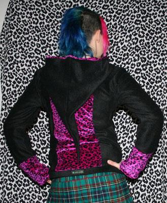 Nähen ist wie zaubern können - Auftrag Leo Fleece Jacke  - Zebraspider DIY Anti-Fashion Blog