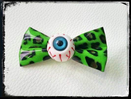 Bat-Kitty Leoschleife mit Auge - Zebraspider DIY Blog