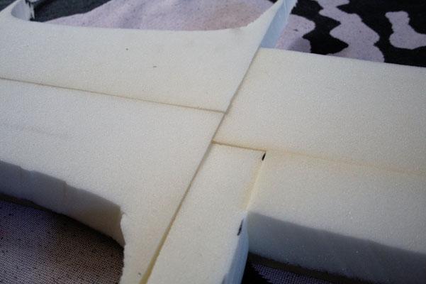 Wohin mit den vielen Buttons? - Buttonbrett Schaumstoff kleben- Zebraspider DIY Blog