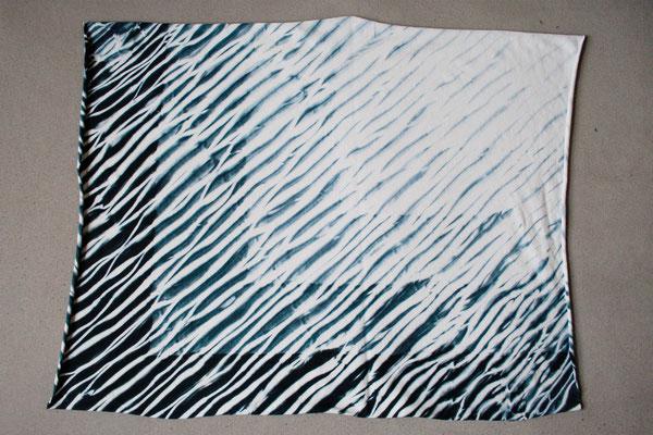 Zebra-Shibori Experiment - Zebramuster Jersey schwarz-weiß - Zebraspider DIY Anti-Fashion Blog