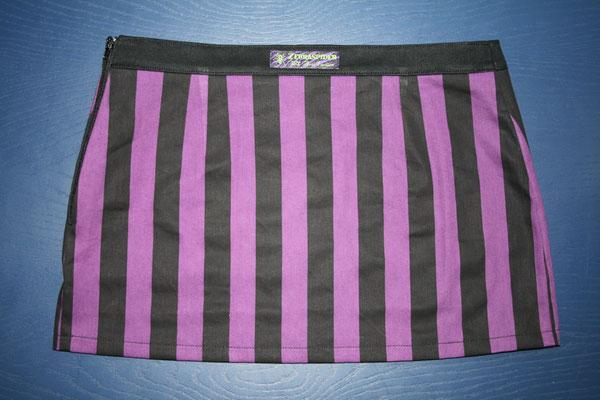 Nähen ist wie zaubern können - Auftrag Rock Streifen lila - Zebraspider DIY Anti-Fashion Blog