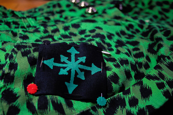 Punk Hot Pants Projekt - Leopard Grün + Aufnäher - Zebraspider DIY Blog