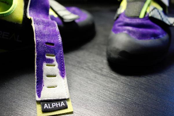 Was tun mit hässlichen Sportschuhen? - Kletterschuhe lila Farbe - Zebraspider DIY Anti-Fashion Blog