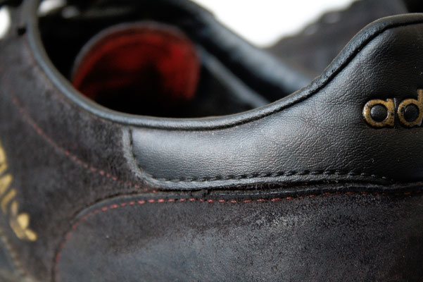 Besser in schwarz - gefärbt Schuhe Details - Zebraspider DIY Anti-Fashion Blog