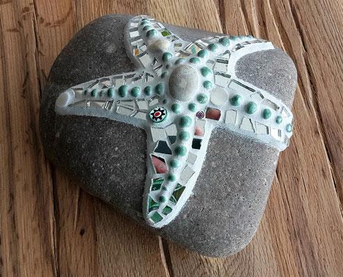 Mosaikseestern auf Stein