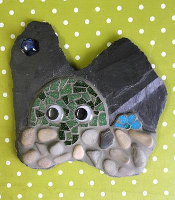 Mosaik-Kilroy auf Schiefer