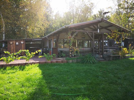 Vorderansicht unserer Hütte